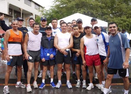 20120707183553-miembros-de-la-armada-del-ecuador-en-las-islas-galapagos.jpg