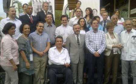 20121101230727-vicepresidente-lenin-moreno-en-galapagos.jpg