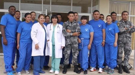 20130217050658-policias-en-galapagos.jpg