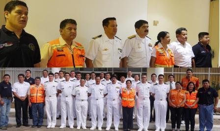 20120815164710-armada-nacional-en-capacitacion-galapagos.jpg