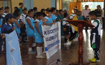 20121118205232-toma-de-juramento-nino-de-isla-isabela-alfredo-gil-franco.jpg