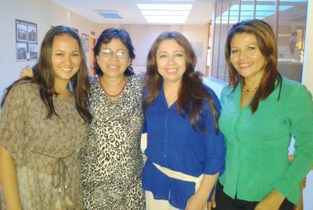 20131109232842-mujeres-en-galapagos.jpg