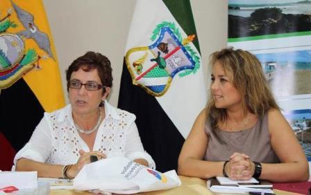 20140702011447-081-visita-funcionaria-del-ministerio-de-ambiente-de-chile-al-cgreg.jpg